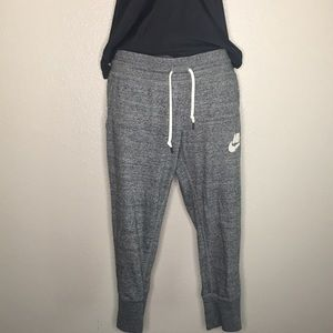 Nike cropped joggers. Size small
